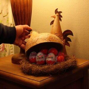 Pääsiäiskana ja pääsiäiskukko - Iso (sisällä 10 kpl pääsiäismunaa)
