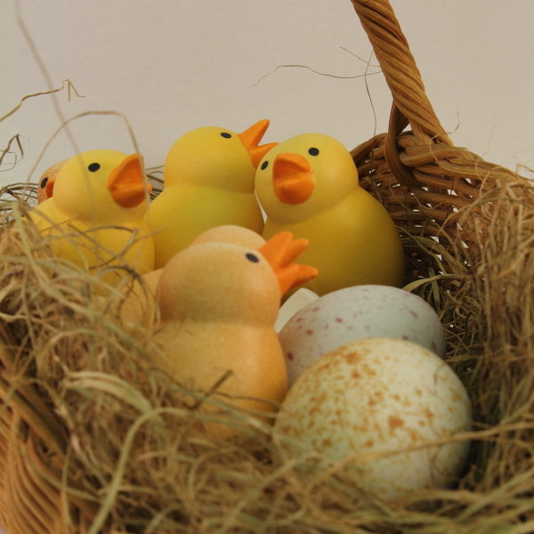 Pääsiäistipu ja pääsiäismuna